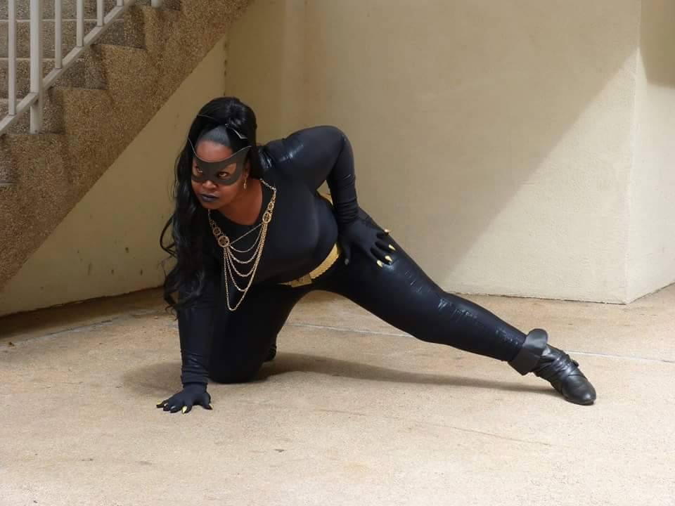 Catwoman (Eartha Kitt) - Batman - Silhouettescosplay - photo 3