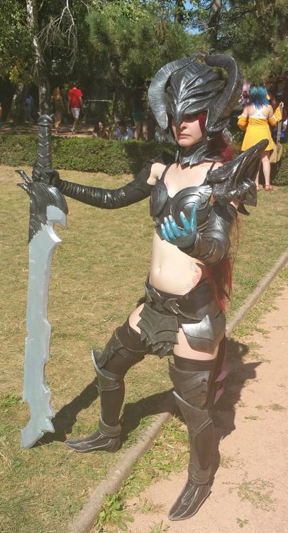 Dark knight woman - Megu Cosplay - Lyon Hanabi 2015 - photo 1